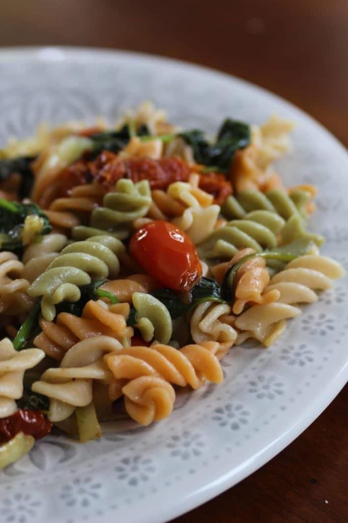 Pâtes aux Épinards et Tomates Séchées Sans Gluten