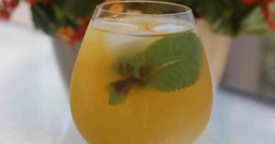 Thé glacé à la menthe et jasmin