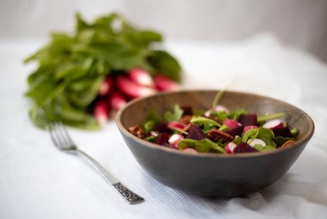 Salade de Betteraves-Roquette et sa vinaigrette lime et basilic